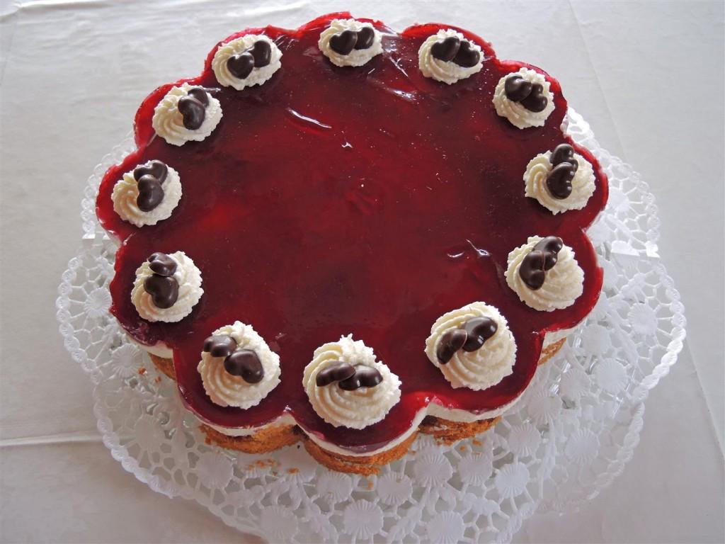Rotkäppchen-Torte (4)