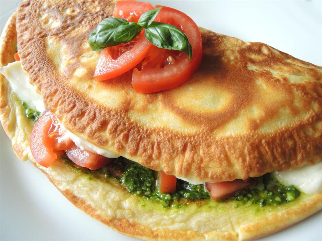 Eierpfannkuchen mit Tomate-Mozzarella (1)