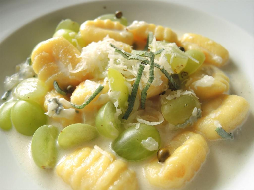 gnocchi-mit-weintrauben-gorgonzola-soße (3)